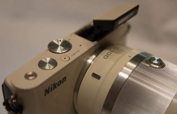 Nikon1_J3_flash_et_boutons
