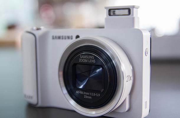 SamsungGalaxyCamera_flash