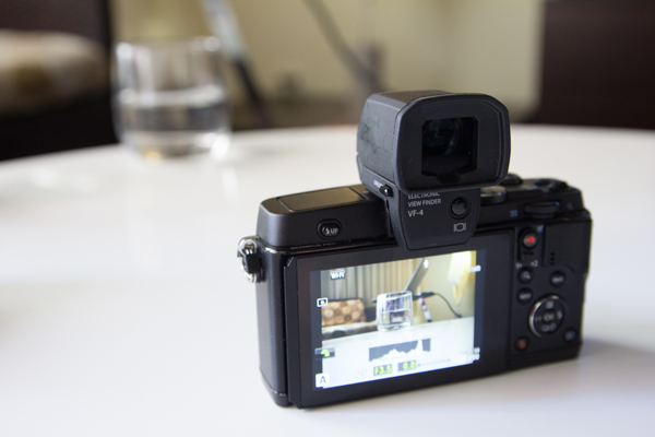 Olympus_PEN_E-P5_viewfinder_back