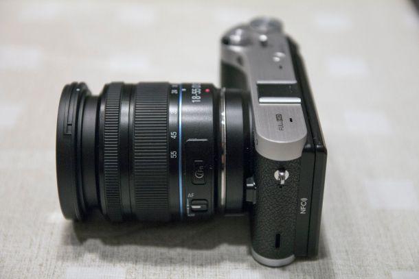 Samsung_NX300_lens