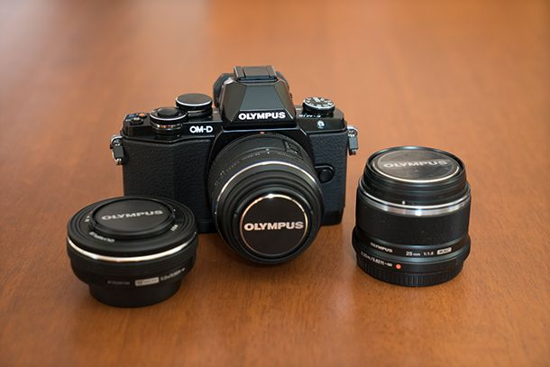 Olympus_OM-D_E-M10-with_lenses