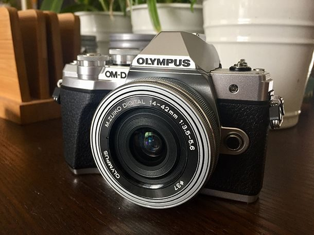 Olympus OM-D e_M10 Mark III (c) Christian Jarry